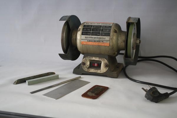 图2-8,砂轮机、磨片、碳化硅磨棒.jpg