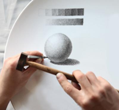 图3-4,几何形体点刻工艺浅色釉面雕刻法.jpg