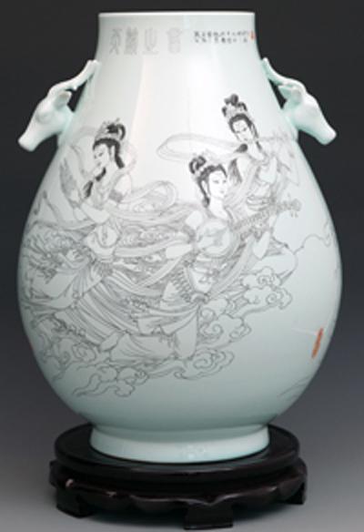 图3-29,丁邦海《天籁之音》刻瓷瓶 高500mm.JPG