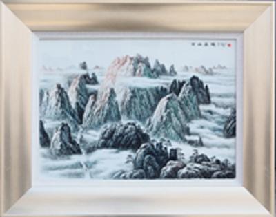 图3-77 丁邦海《黄山晨曦》刻瓷板 570mm×360mm。点刻、线刻、面刻工艺结合雕刻.JPG