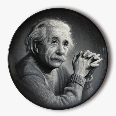 图4-64 丁邦海《爱因斯坦抱手侧面像》刻瓷盘 直径510mm,.jpg