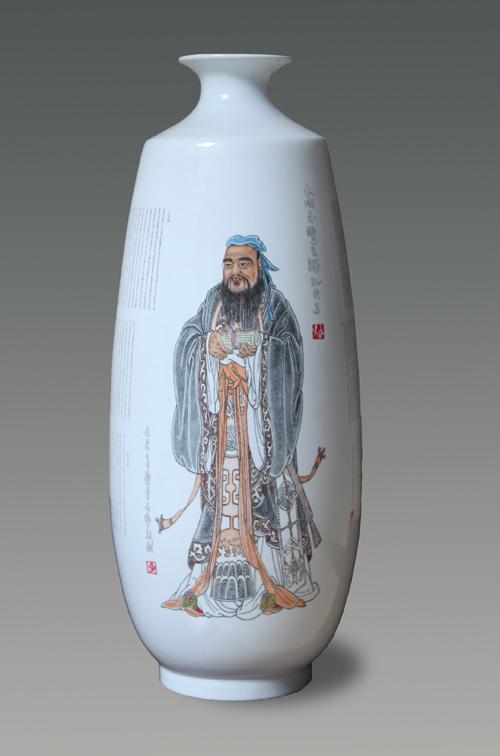 11、李世典《大成至圣先师孔夫子》刻瓷瓶 高480mm..jpg