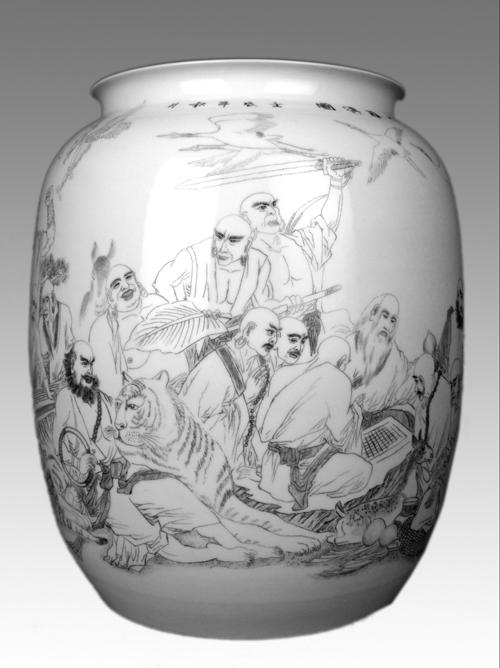 31、周成明《十八罗汉图》 刻瓷瓶 高500mm.jpg