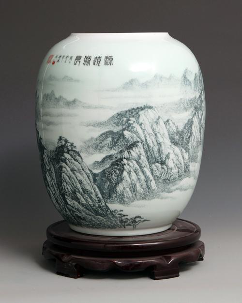 32丁邦海《源远流长》刻瓷瓶 高400mm.jpg