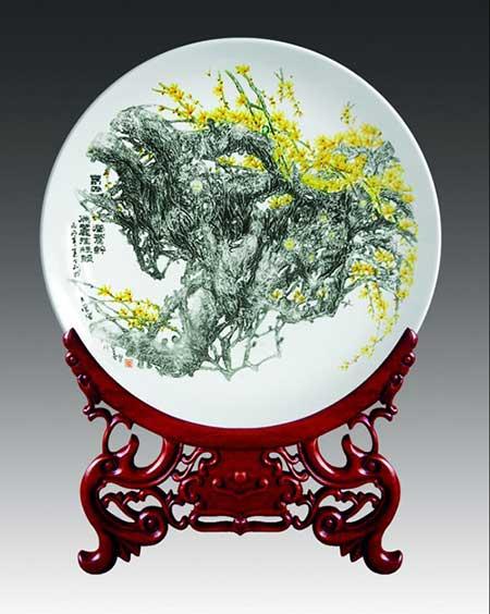 4、董善习-《迎春》刻瓷盘-510mm.jpg