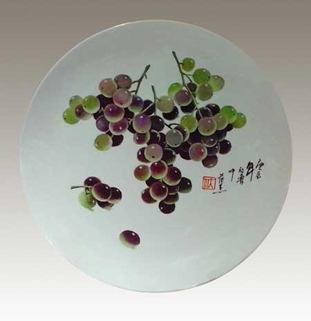 8、范杰《葡萄》-刻瓷盘-直径340mm.jpg
