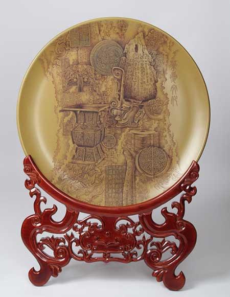 1、李勤宝《华夏文化》-刻瓷盘--直径740mm。.jpg